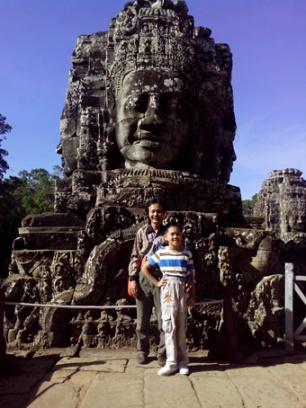 Nụ cười Angkor